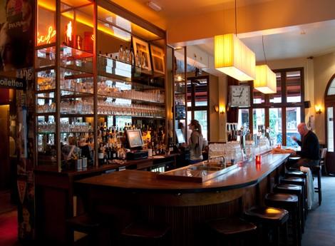 Café Orloff aan de kade